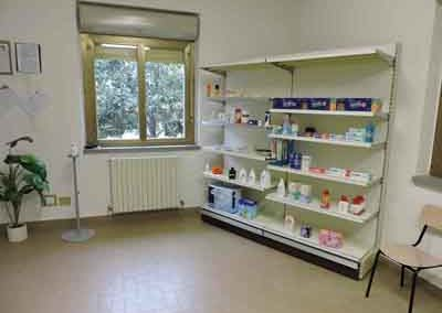 Angolo prodotti della farmacia di giuncarico del dott Andrea bartolozzi