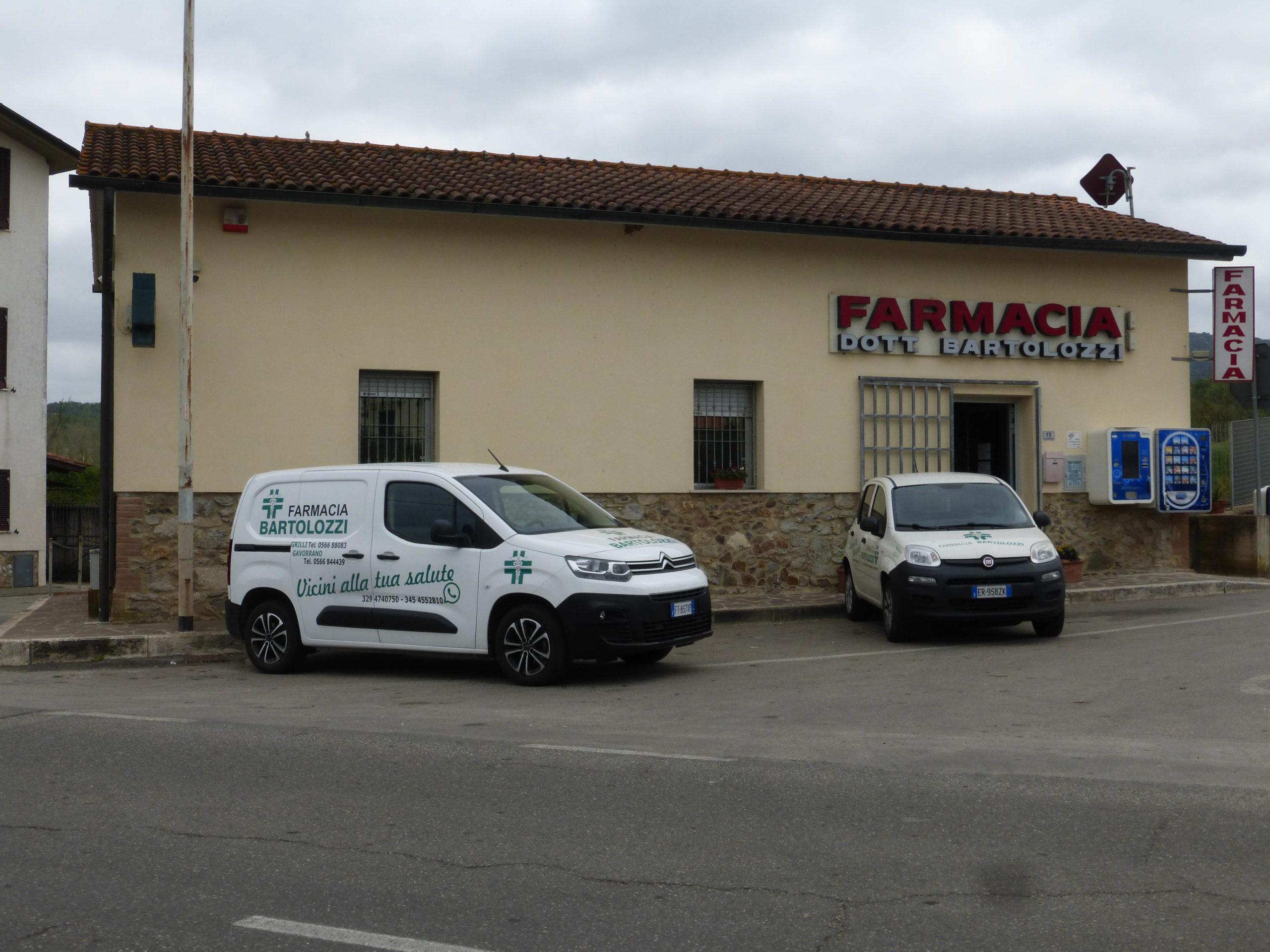 Farmacia Bartolozzi esterno di Grilli